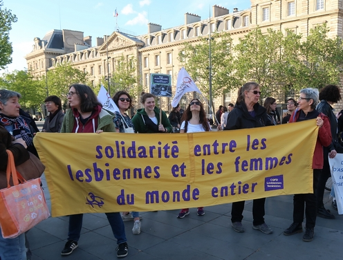 CQFD Lesbiennes Féministes le 26 mai 2019 à Paris présentes à la journée int. de la visibilité lesbienne organisée par OLF avec un message de solidarité